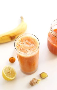 AMAZING 7 ingredient Carrot Ginger Turmeric Smoothie! Immune boosting, anti inflammatory and DELICIOUS!