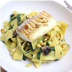 pasta met spinazie en kabeljauw, heerlijk! Clean Recipes, Fish Recipes, Appetizer Recipes, Dinner Recipes, Pureed Food Recipes, Vegetarian Recipes, Cooking Recipes, Healthy Recipes, Feel Good Food