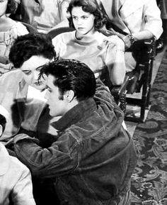 Elvis talking with his Mom