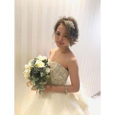 Masako YamanakaさんはInstagramを利用しています:「#marry会 第一部での挙式スタイル . ツヤと透明感が出るように✨ . #marry会 #takamibridal #hairmake #wedding #bridal #make #タカミブライダル #ヘアメイク #ウエディング #ブライダル #メイク」