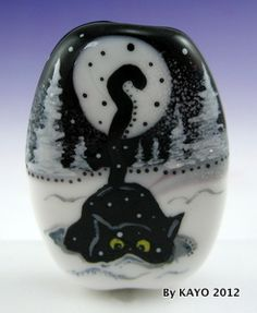 """Snowflake Seeker"" Bykayo A Handmade Stone Crafts, Rock Crafts, Cat Crafts, Clay Beads, Lampwork Beads, Hand Painted Rocks, Beaded Animals, Handmade Beads, Pebble Art"