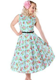Vintage Blue Floral Hepburn by Lady Vintage   #vintage #circledress #floraldress…