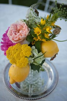 Central Oregon Wedding from Michelle Cross Photography Brunch Table Setting, Lemon Centerpieces, Cute Wedding Ideas, Wedding Themes, Wedding Inspiration, Lemon Party, Daffodils, Daffodil Flowers, Pink Lemonade