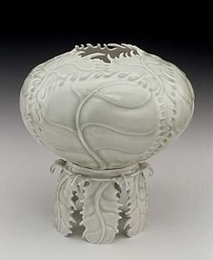 Cabbage Vase on a Pedestal by Cliff Lee / American Art, Smithsonian. american art, cliff lee