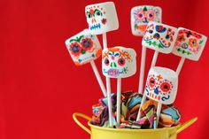 Teach your kids about Day of the Dead with this fun, edible craft