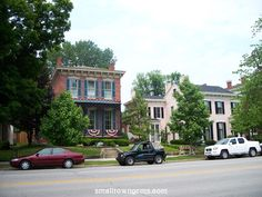 Madison, Indiana:beautiful homes. Love to visit this town! Great Places, Places Ive Been, Madison Indiana, Ohio River, Historic Homes, Small Towns, Family History, Beautiful Homes, Sweet Home