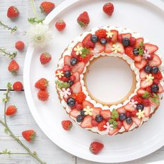 best for keto diet Japanese Sweets, Köstliche Desserts, Delicious Desserts, Sweet Recipes, Cake Recipes, Alphabet Cake, Strawberry Cakes, Aesthetic Food, Sweet Cakes
