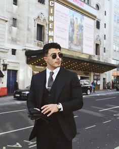 Magazine Man, James Bond, Walking, Mens Fashion, Suits, Instagram, Style, Moda Masculina, Swag