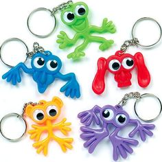 Buy Wiggle-Eye Monster Keyrings at Baker Ross. These monsters are marvellous! Funny wiggle-eyed monsters with keyring attachment - they'll keep an eye on everything. Halloween Treats For Kids, Halloween Crafts, Toy Craft, Craft Kits, Creative Kids, Creative Crafts, Pochette Surprise, Bee Gifts, Party Bag Fillers