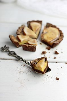 pear and vanilla custard tartelettes
