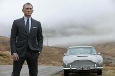 """Skyfall"" movie review - http://thefilmdiscussion.com/2012/11/09/skyfall/"