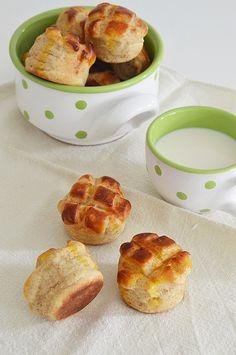 Pehelykönnyű burgonyás pogácsa French Toast, Muffin, Baking, Breakfast, Food, Hungarian Recipes, Morning Coffee, Bakken, Essen