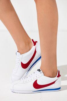 super popular b1e01 dec89 Nike Classic Cortez Sneaker