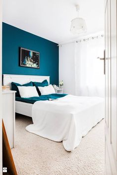 Nice Idee Deco Chambre Bleu Turquoise that you must know, You?re in good company if you?re looking for Idee Deco Chambre Bleu Turquoise Bedroom Wall Designs, Home Decor Bedroom, Bedroom Furniture, Bedroom Turquoise, Blue Bedroom, Bedroom Suites, Best Bedroom Colors, Penguin Socks, Nouveaux Parents