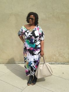 Ms. Dionna from http://www.mademepretty.com/2015/04/06/in-color/ rocking our Watercolor Maxi dress #plussizefashion #psblogger #avenueplus