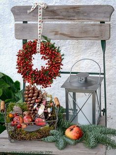 Christmas deco chair - New Deko Sites Country Christmas, Outdoor Christmas, Christmas Home, Christmas Wreaths, Christmas Decorations, Holiday Decor, Outdoor Fairy Lights, Deco Nature, Christmas Crafts For Kids To Make