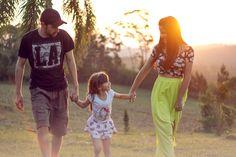 Ensaio Fotográfico Gestante e família em Florianópolis e região. Muito amor envolvido em cada retrato. Famílias maravilhosas! Por Laiz Fotografia