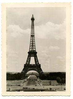 vintage Paris photo from Graphics Fairy #eiffel_tower