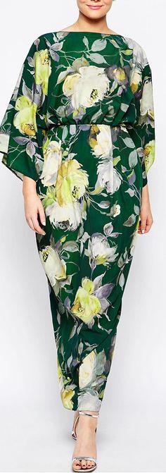 70s Baby | Curvy Bridesmaid | Bridesmaid Outfit | floral print kimono sleeve dress for bridesmaid