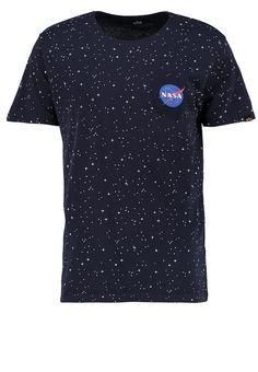 Kleding Alpha Industries T-shirt print - rep blue Donkerblauw: € 39,95 Bij Zalando (op 8-4-17). Gratis bezorging & retournering, snelle levering en veilig betalen!