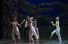 Zorba, el griego. Ballet de Santiago. Zorba: Rodrigo Guzmán. Foto: Patricio Melo