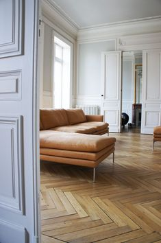 A guide to different parquet styles and other gorgeous wood flooring ideas Wood Parquet, Timber Flooring, Parquet Flooring, Hardwood Floors, Flooring Ideas, Renovation Parquet, Wood Floor Pattern, Living Room Flooring, Living Room Wood Floor