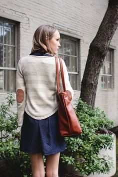 Elbow patches, sweater over dress. I want to copy this outfit. Cute Fall Outfits, Pretty Outfits, A Well Traveled Woman, Autumn Winter Fashion, Winter Style, Fall Fashion, Hipster Fashion, Winter Wear, Style Me