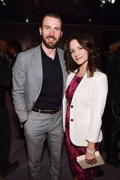 New: chris evans with kristin davis at 'the night before' the oscars party last night. Captain America Funny, Chris Evans Captain America, Christopher Evans, Kristin Davis, Ben Hardy, Robert Evans, Comedy Films, Bucky Barnes, Steve Rogers