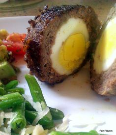 SPICED BEEF SCOTCH EGG (paleo) - Like a meatball with an eggy surprise