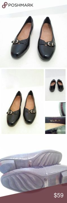 Clarks women's loafers shoes sz 8.5 leather Clarks women's loafers shoes sz 8.5m leather Approx measurements @.5 heel Has a dark blue/black color Great condition  Comfortable Clarks Shoes Flats & Loafers