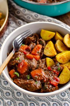 This delicious bowl of Balsamic Braised Beef is pure comfort food. Tender chunks of beef in a tangy rich tomato sauce. Gluten free, dairy free, Slimming World and Weight Watchers friendly Carrot Recipes, Healthy Recipes, Healthy Food, Slimming World Beef Recipes, Garlic Brussel Sprouts, Speed Foods, Slimming Eats, Braised Beef
