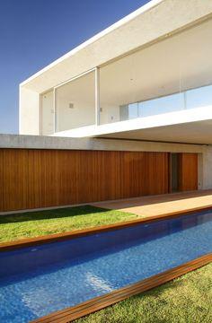 Casa Osler, by Studio MK27 - Marcio Kogan