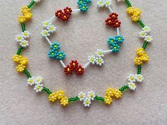Diy Bracelets Easy, Seed Bead Bracelets, Seed Bead Jewelry, Bead Jewellery, Crochet Bracelet Pattern, Beaded Bracelet Patterns, Beaded Earrings, Beaded Wedding Jewelry, Daisy Bracelet