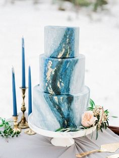 Marbled wedding cakes / http://www.himisspuff.com/marble-wedding-cake-ideas/