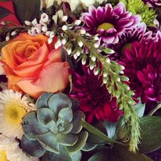 Thanks to @theretrobot for this great shot of one of our bouquets! #sendhappy