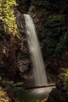 Cascade Falls, BC