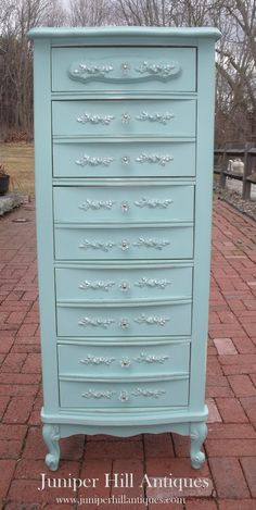The cutest teal French Provincial lingerie chest ever! Chest Of Drawers Makeover, Armoire Makeover, Furniture Makeover, French Provincial Furniture, French Furniture, Chalk Paint Furniture, Find Furniture, Furniture Board, Furniture Ideas