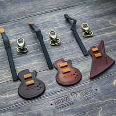 The next suspensions in the form of guitars are waiting for the final assembly. Leather Art, Sewing Leather, Leather Gifts, Custom Leather, Leather Design, Leather Tooling, Leather Jewelry, Crea Cuir, Leather Wallet Pattern