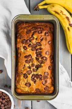 This is the best Chocolate Chip Banana Bread recipe! This chocolate chip banana bread comes together easily and is such a popular recipe in my house! It is moist, delicious, and only takes about 10 minutes to prepare. Strawberry Banana Bread, Banana Chocolate Chip Muffins, Make Banana Bread, Banana Bread Recipes, Joy Of Cooking Banana Bread Recipe, Chocolate Chips, Baking Recipes, Dessert Recipes, Banana Dessert