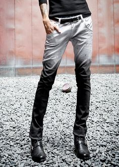 Ok. 1. I know this is a guy, and 2. why can't i be this skinny?!? Because i love these B/W Dyed Jeans!!