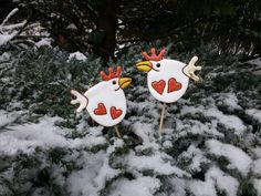 Pipiny bílé Paper Mache, Clay, Chicken, Christmas Ornaments, Holiday Decor, Insects, Decorating Ideas, Home Decor, Animals