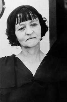 Emma Parker, mother of Bonnie Parker, notorious criminal slain by police in… Bonnie Et Clyde, Bonnie Parker, Old Pictures, Old Photos, Famous Outlaws, Killed By Police, Life Of Crime, Mobsters, Gangsters