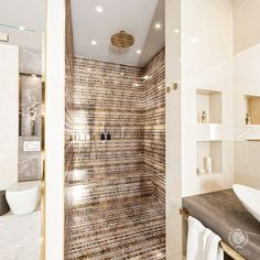 tolicci, luxury modern bathroom, italian design, shower, interior design, luxusna moderna kupelna, taliansky dizajn, navrh interieru, sprcha Modern Bathroom, Divider, Shower, Interior Design, The Originals, Luxury, Furniture, Home Decor, Rain Shower Heads