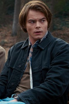A Reminder of How Jonathan and Nancy Got Those Scars on Stranger Things