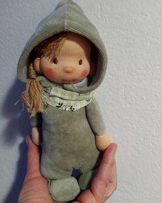 Márciuska 🌷#littledoll#waldorfpuppe #poupeewaldorf #waldorfinspiredoll #toddlertoys #totyogó #március#withlove #bemkadolls