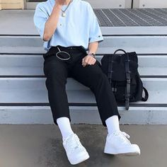 Discover Our Streetwear Chest Bag⬇️ streetwear highsnobiety fashion street styles urban aesthetic outfits men women sneakers hypebeast Mode Outfits, Retro Outfits, Vintage Outfits, Fashion Outfits, Boy Fashion, Mens Fashion, Korean Fashion Men, Urban Fashion, Stylish Mens Outfits