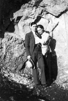 Bonnie and clyde are friends with the circle and have been semi-regulars for nearly a year now. Bonnie And Clyde Pictures, Bonnie And Clyde Car, Bonnie Parker, Mafia Gangster, Gangster Style, Old Photos, Vintage Photos, Past Life Memories, Dark Love