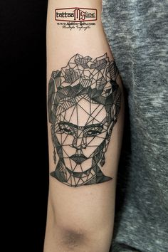frida tattoo gheometric