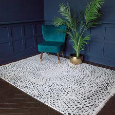 Unusual Home Accessories Colourful Living Room, Rugs In Living Room, Colorful Rugs, Dark Carpet, Beige Carpet, Floral Area Rugs, Floral Rug, Grey Rugs, Beige Area Rugs