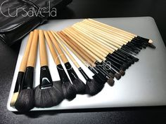facial Makeup Brushes Set 24Pcs Tool Cosmetic Foundation eyeshadow powder Blush PU Leather Case wood